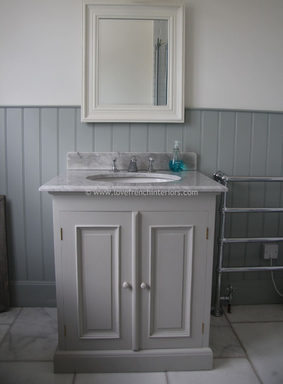 Bespoke Single Sink Vanity Unit With Two Doors
