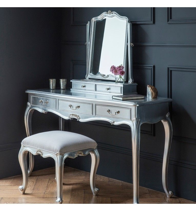 Chic Dressing Table in Silver